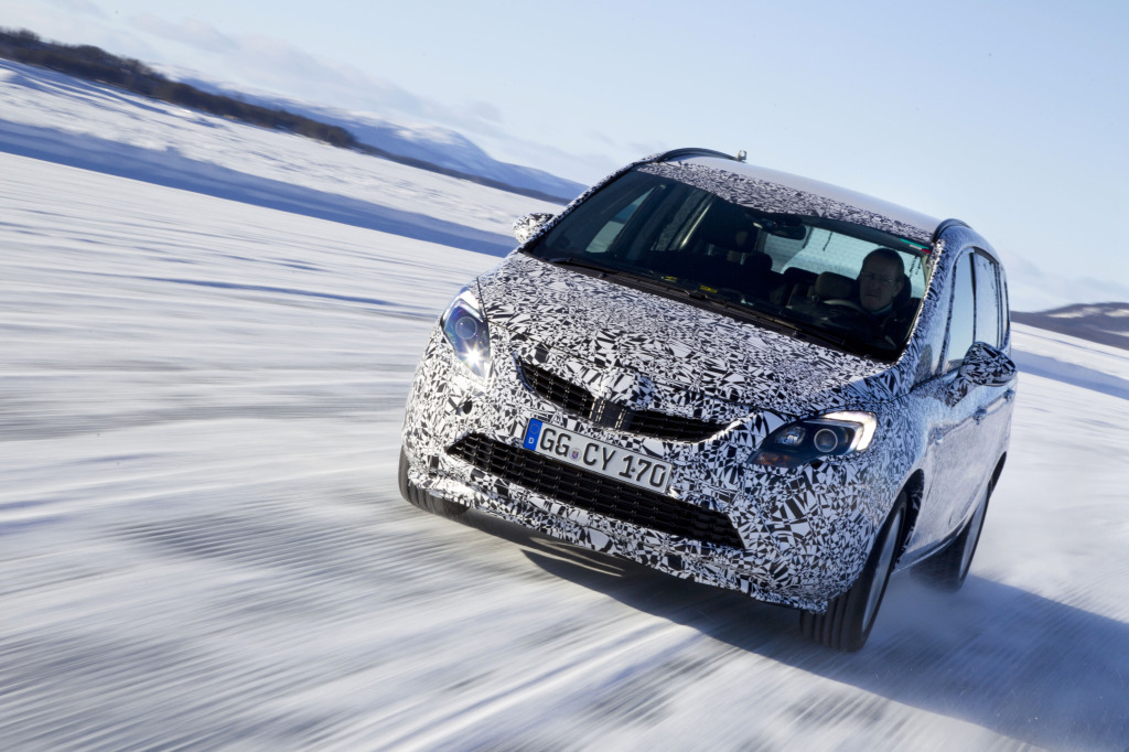 Opel Zafira Tourer, Winter Testing